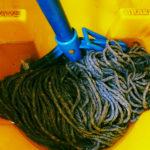 Mokré čištění prodlouží životnost koberce i sedačky